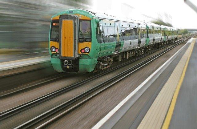 rozjetý vlak