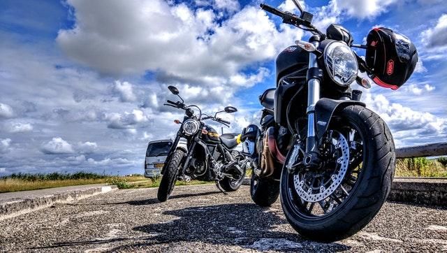 motorky na ceste